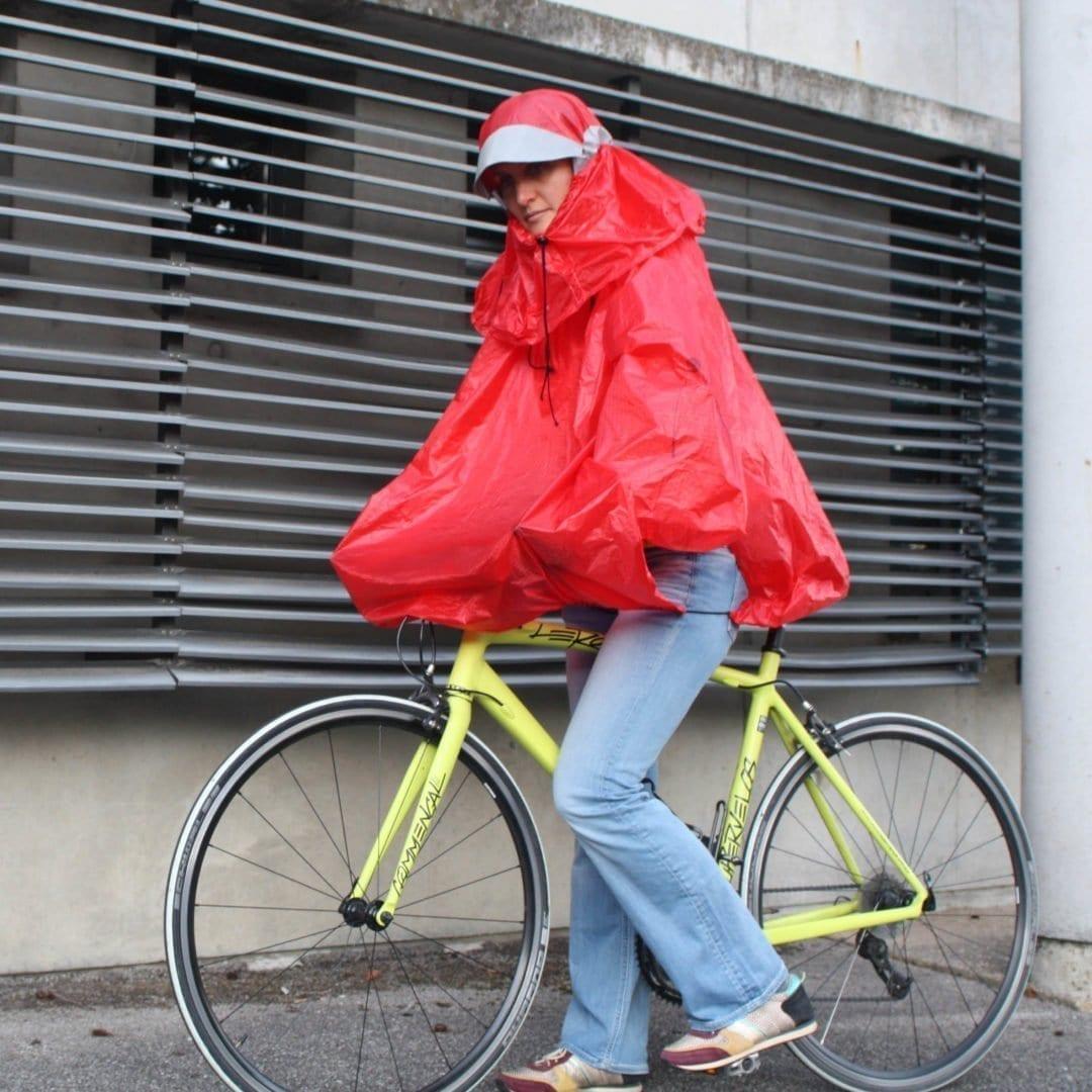 protection-pluie-rouge-velo-vasimimile